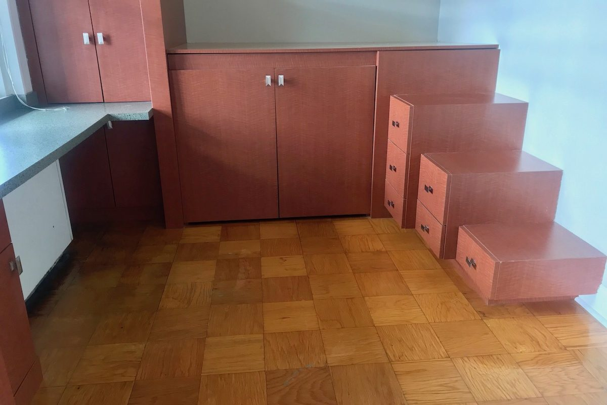 LARGE ONE BEDROOM WITH DEN & TERRACE NEAR PATH