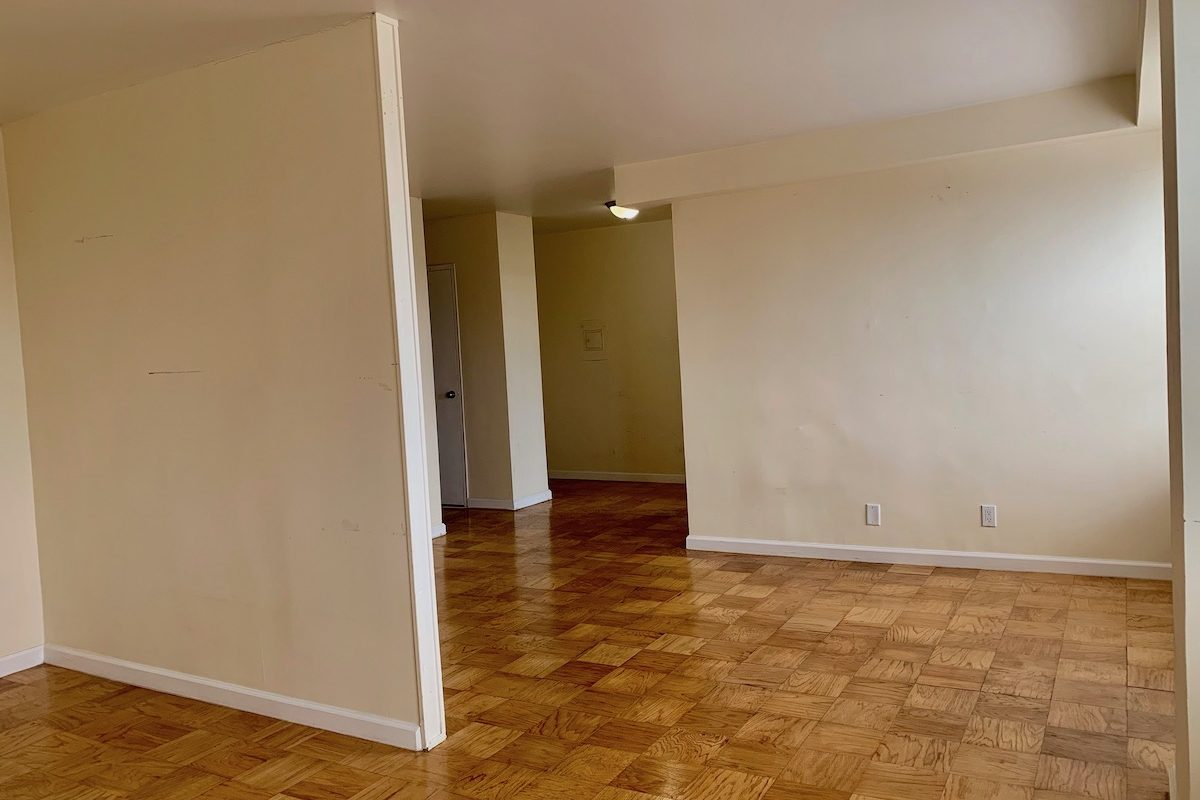 Renovated Studio near path station ready for occupancy