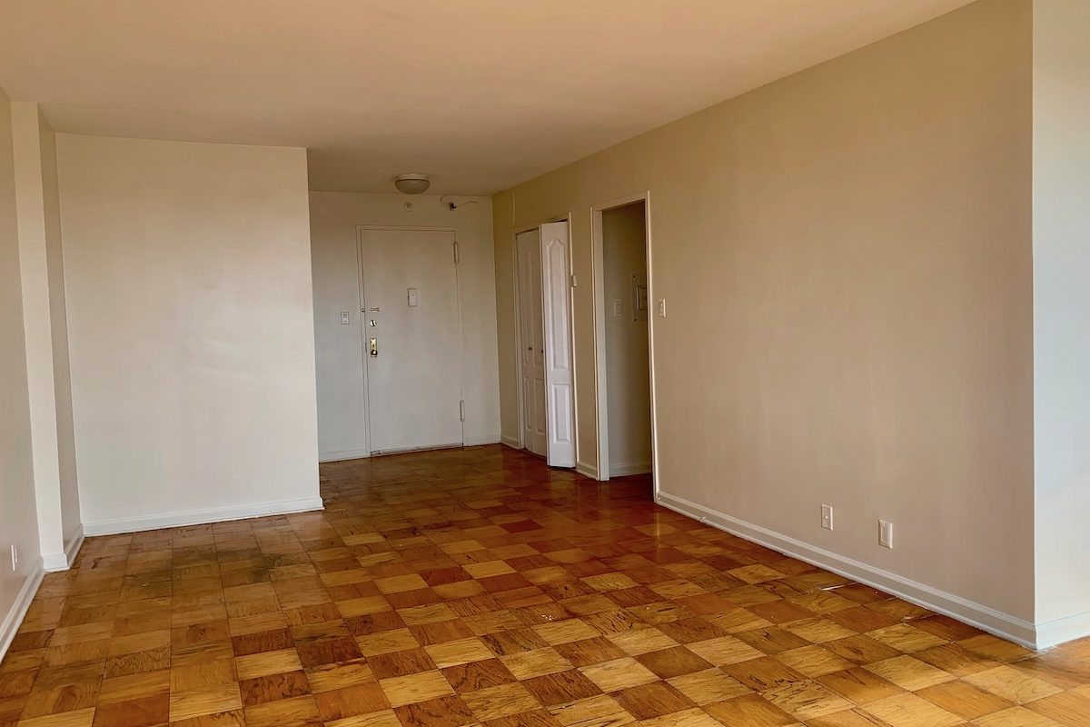 One bedroom at great location near PATH station