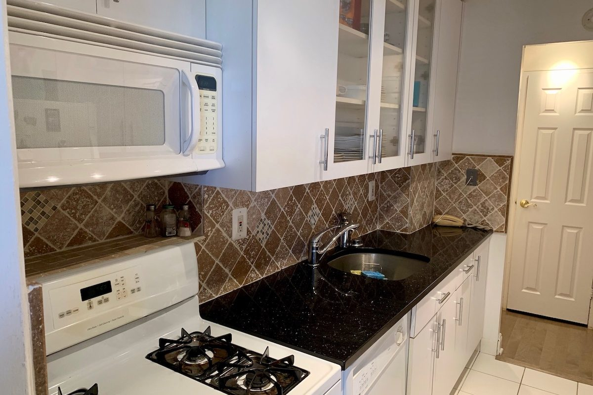 Large One Bedroom with Terrace Near PATH!