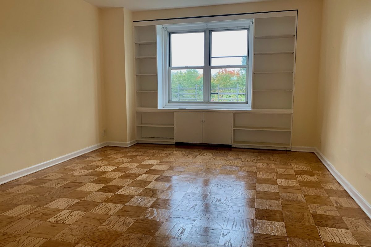 Two Bedrooms Two Full Baths Near PATH Station.