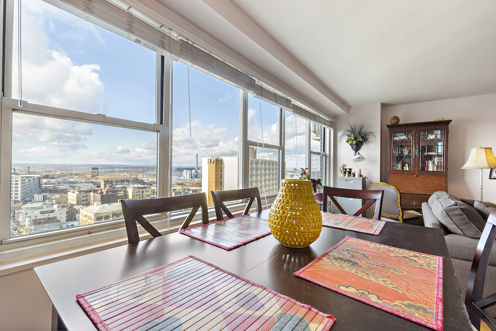 Spectacular one bedroom with panoramic Jersey City views.