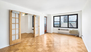 Spacious one  bedroom with office space plus terrace